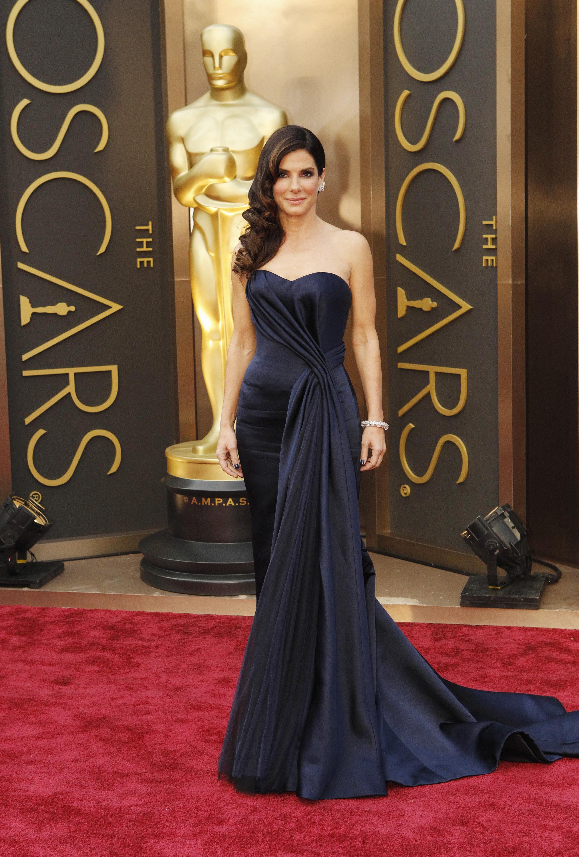 Sandra Bullock Wins Our 2014 #bestdressed Poll! - Oscars 2014 News