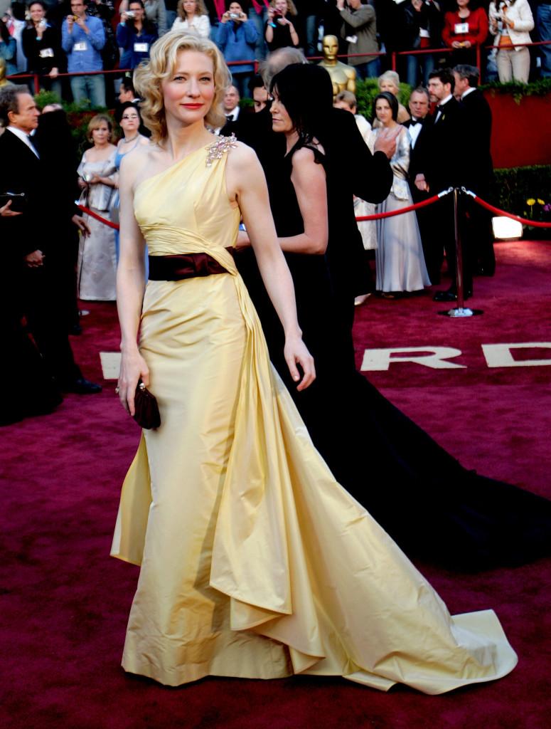Cate Blanchett 2005 Tim Gunn S Favorite Oscar Looks Oscars 2012 Photos 84th Academy Awards