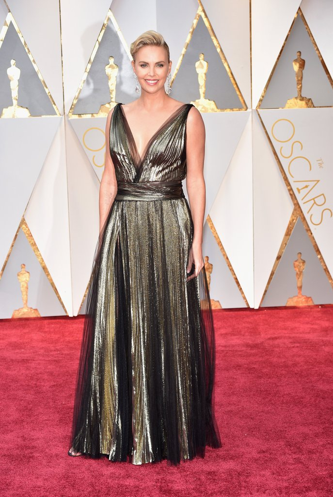 Charlize theron oscar 2017 red carpet arrival oscars red carpet arrivals 2017 oscars 2017 - Oscars red carpet online ...