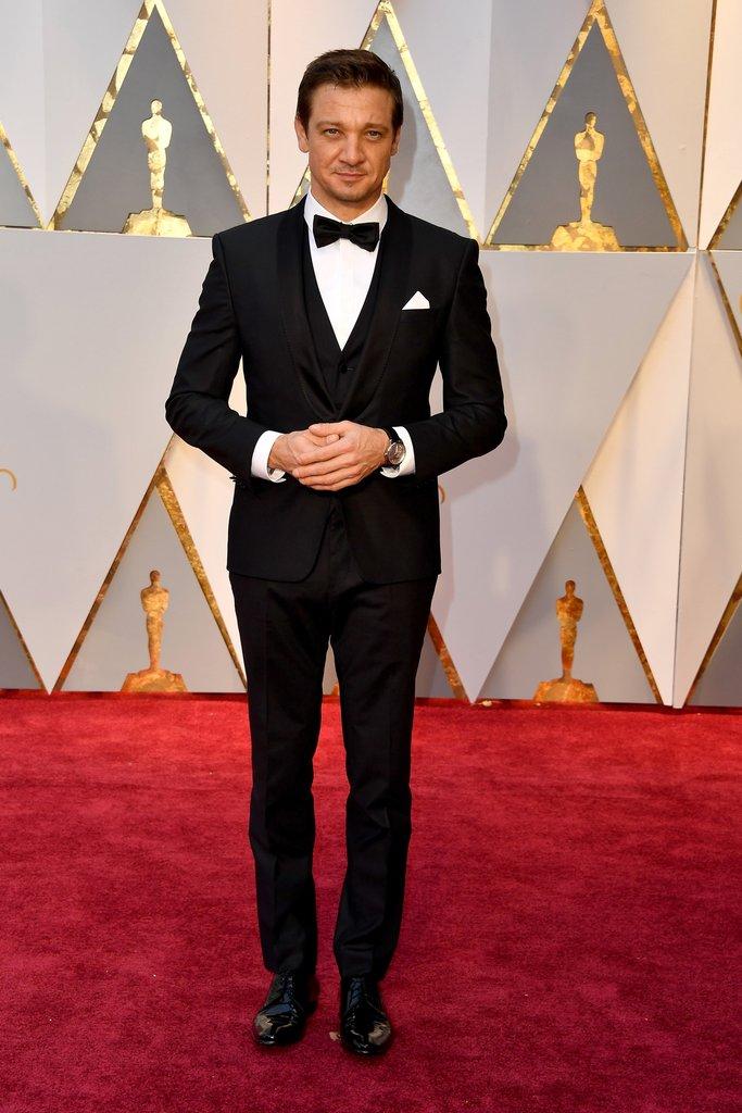 Jeremy Renner Oscar 2017 Red Carpet Arrival Oscars Red