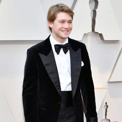 Joe Alwyn on the Oscars Red Carpet 2019