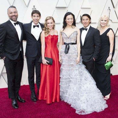 Evan Hayes, Alex Honnold, Elizabeth Chai Vaserhelyi, Jimmy Chin, Shannon Dill on the Oscars Red Carpet 2019