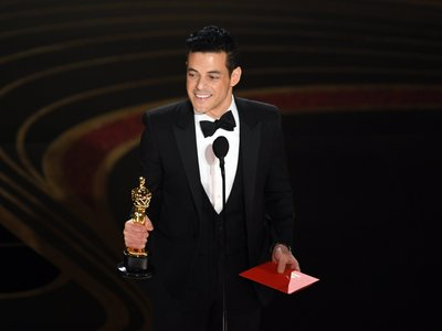 c522a6a288a Rami Malek Wins the 2019 Oscar for Actor in a Leading Role in 'BOHEMIAN  RHAPSODY